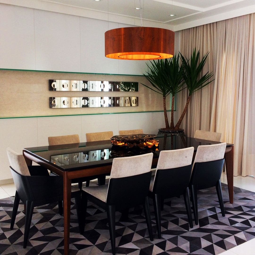 Tapetes Sala De Jantar Foto Divulgao Sala Tapete Sobreposto  -> Tapete Na Sala De Jantar